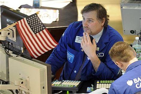 Un operador en la Bolsa de Nueva York este lunes. | AP