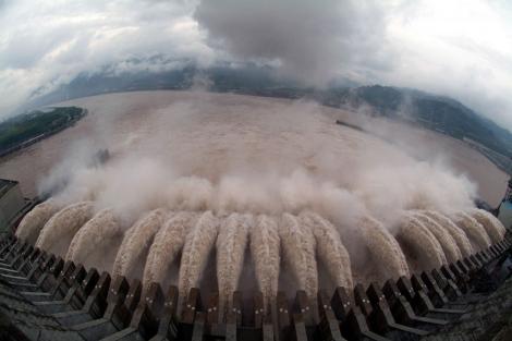 Reconocen daños por la represa mas grande del mundo 1305885121_0