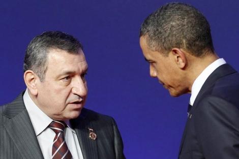 Sharaf, junto a Obama, en la cumbre del G8 en Deauville (Francia). | Reuters
