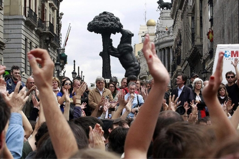 Asamblea dominical en Sol.| Reuters