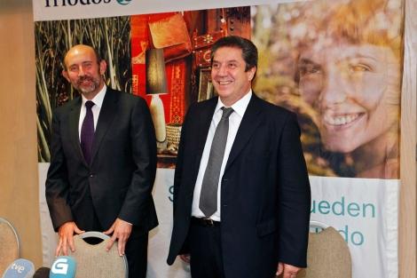 El director de Triodos Bank, Esteban Barroso junto al subdirector Joan Antoni Melé.