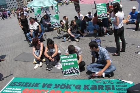 Los jóvenes turcos en la plaza de Taksim.   Ángeles Lucas