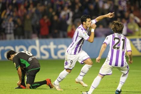 Javi Guerra celebra el gol de la victoria.|Montse Alvarez
