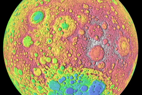 Primer plano de la Luna con ngulos coloridos.| NASA