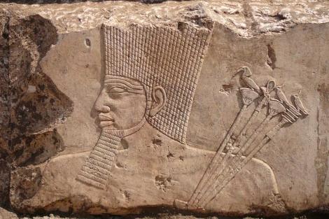 Bloque dedicado al rey Osorkon III o IV. | Fotos: Ministerio de Antigüedades de Egipto.
