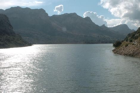 Vista de la Serra Tramuntana desde el embalse del Gorg Blau | Pep Vicens