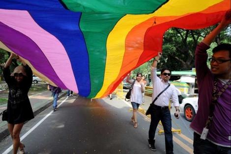 Estudiantes filipinos celebran el Orgullo Gay en su capital, Manila. | Afp