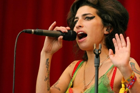 Amy Winehouse 1311438876_0