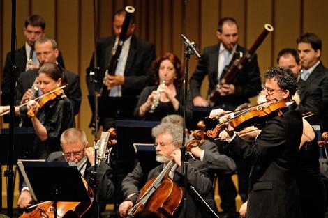Miembros de la Orquesta de Cámara de Israel, ayer, en Bayreuth. | AP