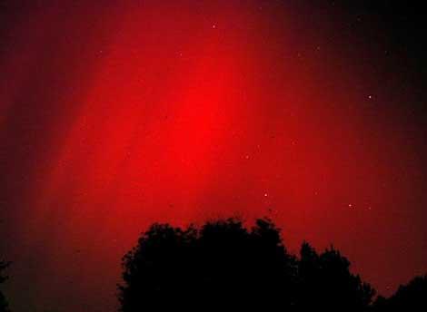 Aurora observada en Maryland (EEUU) tras la tormenta solar de 2003. | NASA.