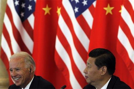 El vicepresidente de EEUU, Joe Biden y su homólogo chino Xi Jinping | EFE