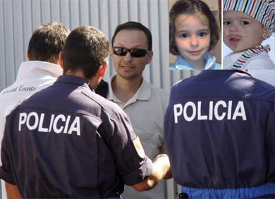 José Bretón, de frente, padre de los niños desaparecidos (a la derecha). | Efe