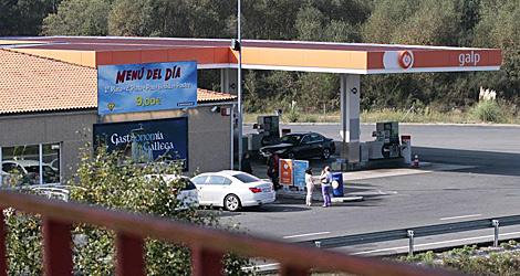 La gasolinera de la A-6 en Guitiriz, donde se vieron ministro y empresario.   Pedro Agrelo