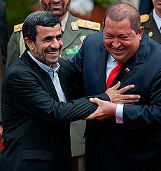 Ahmadineyad y Chávez en Caracas. | Reuters