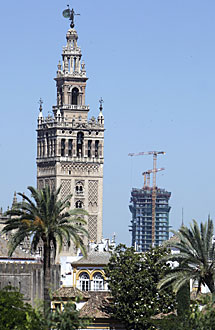 La Torre Pelli, desde Menéndez Pelayo. | Conchitina