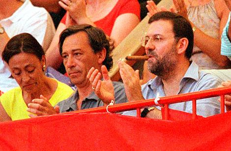 Imagen de archivo de Rajoy, en el verano del año 2000, en los toros en Pontevedra. | El Mundo