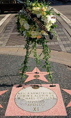 Recuerdo al astronauta en Los Ángeles. | AFP