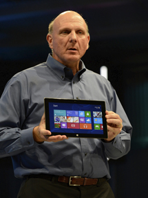 Ballmer presenta Surface. | Afp