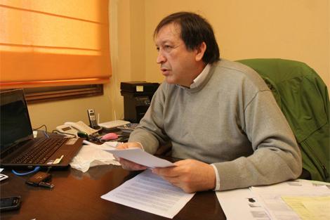 Manuel Estévez Molares, en su despacho. | Rosa González