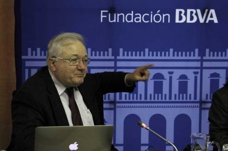 Rashid Sunyaev, presentando sus investigaciones en Madrid. | Fundación BBVA