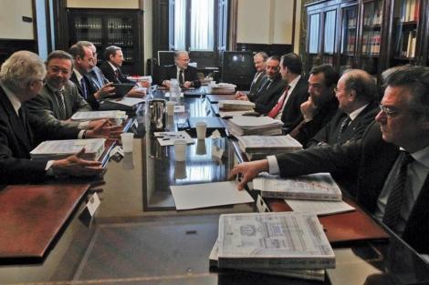 Reunión de la Sala Primera de lo Civil del TS presidida por Juan Antonio Xiol. | José Aymá