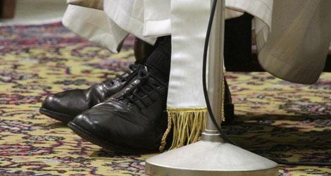 Los zapatos del Papa.| Reuters