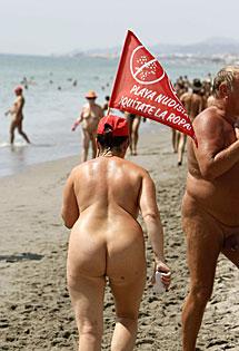 Nudistas en Vera. | Efe