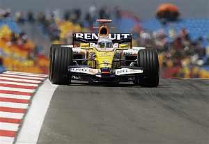 Fernando Alonso, en acción. (Foto: AP)