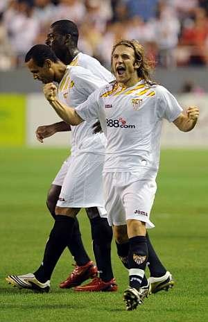 Capel fue el autor del primer gol. (Foto: AFP)