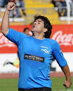 Maradona, durante un partido amistoso en Bolivia el pasado mes de marzo. (Foto: AFP)