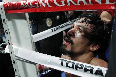Pacquiao, exhausto tras el combate ante Márquez. | Ap