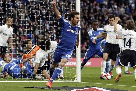 Mata celebrando su gol fantasma en las semifinales de la FA Cup /EFE