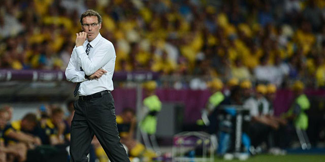 Laurent Blanc, contrariado tras la derrota ante Suecia. |AFP