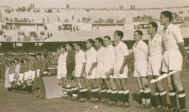 El equipo del Real Madrid forma el día de la inauguración del Nuevo Chamartín, el 14 de noviembre de 1947 | MARCA