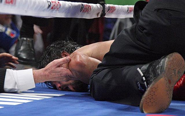 Pacquiao cayó inconsciente tras el golpe de Márquez el pasado 8 de diciembre en Las Vegas. (AFP)