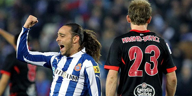 Sergio García celebra su gol ante Krohn-Dehli. (EFE)