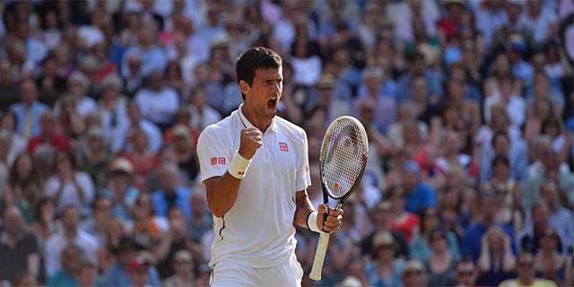 Novak Djokovic, tras su victoria ante Del Potro en la Central de Wimbledon. (REUTERS)