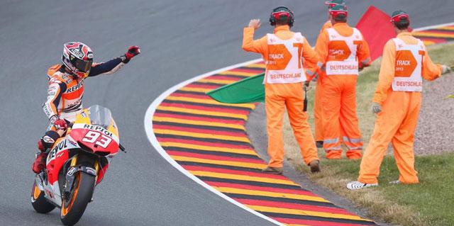 Márquez celebra la victoria en Sachsenring / Jan Woitas