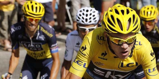 Contador, detrás de Froome.   Afp