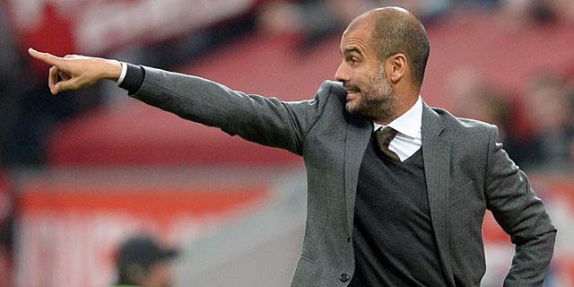 Guardiola dando instrucciones en un partido con el Bayern. Foto | AFP