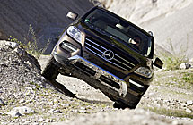 Al volante del Mercedes ML