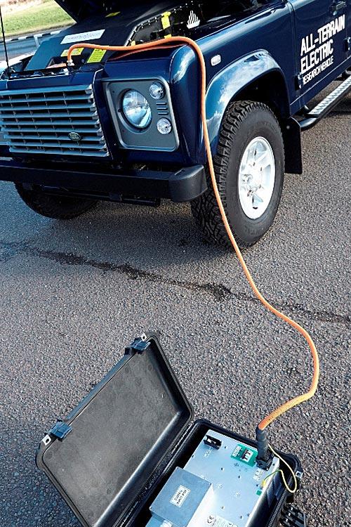 FERIA INTERNACIONAL DEL AUTOMOVILISMO,AUTOS TUNING-http://estaticos02.cache.el-mundo.net/elmundomotor/imagenes/2013/02/28/coches/1362054233_extras_ladillos_4_g_1.jpg