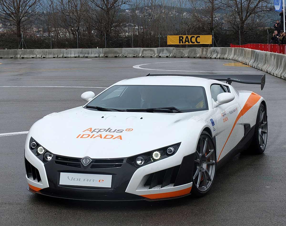 FERIA INTERNACIONAL DEL AUTOMOVILISMO,AUTOS TUNING-http://estaticos02.cache.el-mundo.net/elmundomotor/imagenes/2013/03/01/coches/1362130673_g_0.jpg