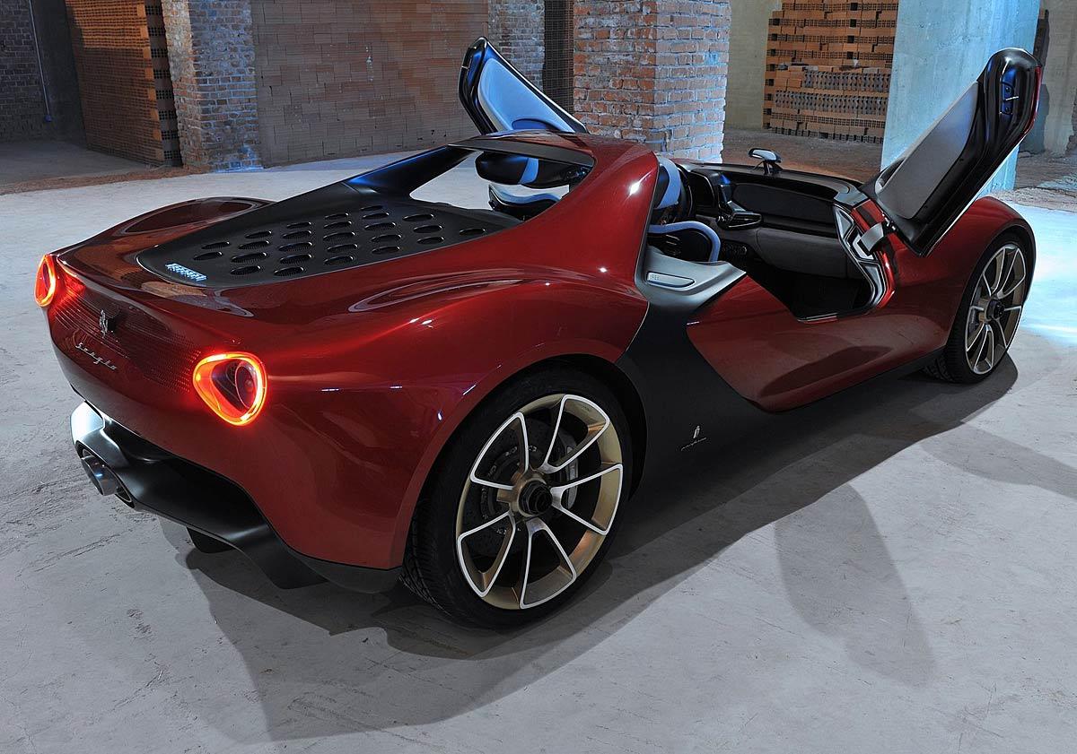 FERIA INTERNACIONAL DEL AUTOMOVILISMO,AUTOS TUNING-http://estaticos02.cache.el-mundo.net/elmundomotor/imagenes/2013/03/19/coches/1363716060_extras_ladillos_4_g_0.jpg