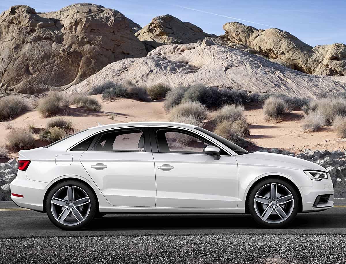 FERIA INTERNACIONAL DEL AUTOMOVILISMO,AUTOS TUNING-http://estaticos02.cache.el-mundo.net/elmundomotor/imagenes/2013/03/27/coches/1364401535_g_0.jpg