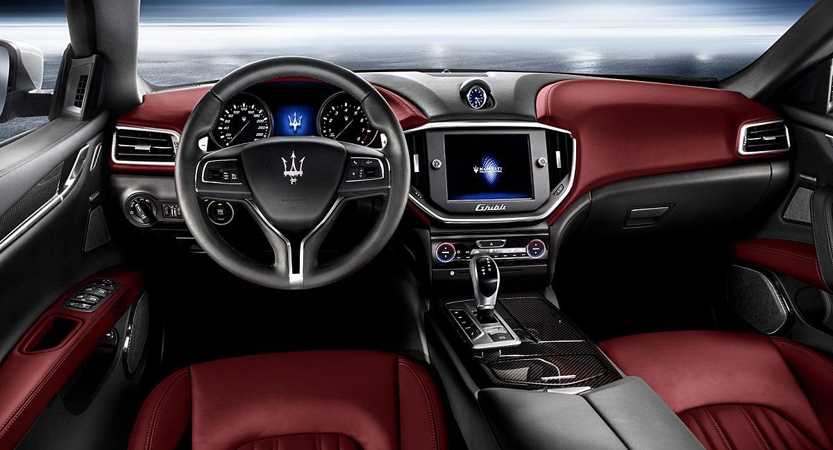 FERIA INTERNACIONAL DEL AUTOMOVILISMO,AUTOS TUNING-http://estaticos02.cache.el-mundo.net/elmundomotor/imagenes/2013/04/09/coches/1365525554_extras_ladillos_2_g_0.jpg