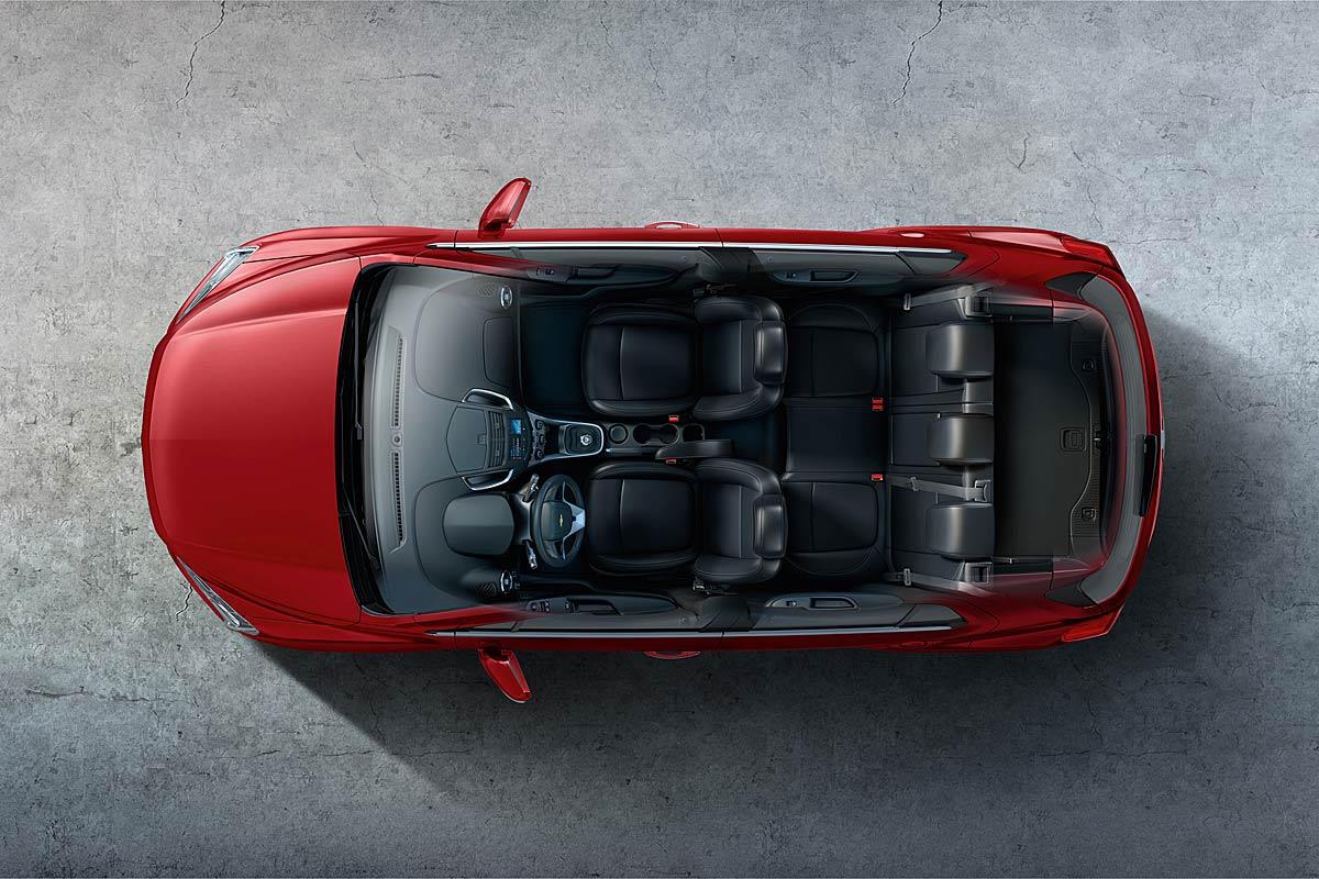 FERIA INTERNACIONAL DEL AUTOMOVILISMO,AUTOS TUNING-http://estaticos02.cache.el-mundo.net/elmundomotor/imagenes/2013/04/12/coches/1365757817_extras_ladillos_5_g_0.jpg