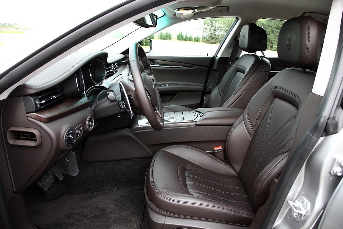 FERIA INTERNACIONAL DEL AUTOMOVILISMO,AUTOS TUNING-http://estaticos02.cache.el-mundo.net/elmundomotor/imagenes/2013/05/10/coches/1368173558_extras_ladillos_10_g_1.jpg