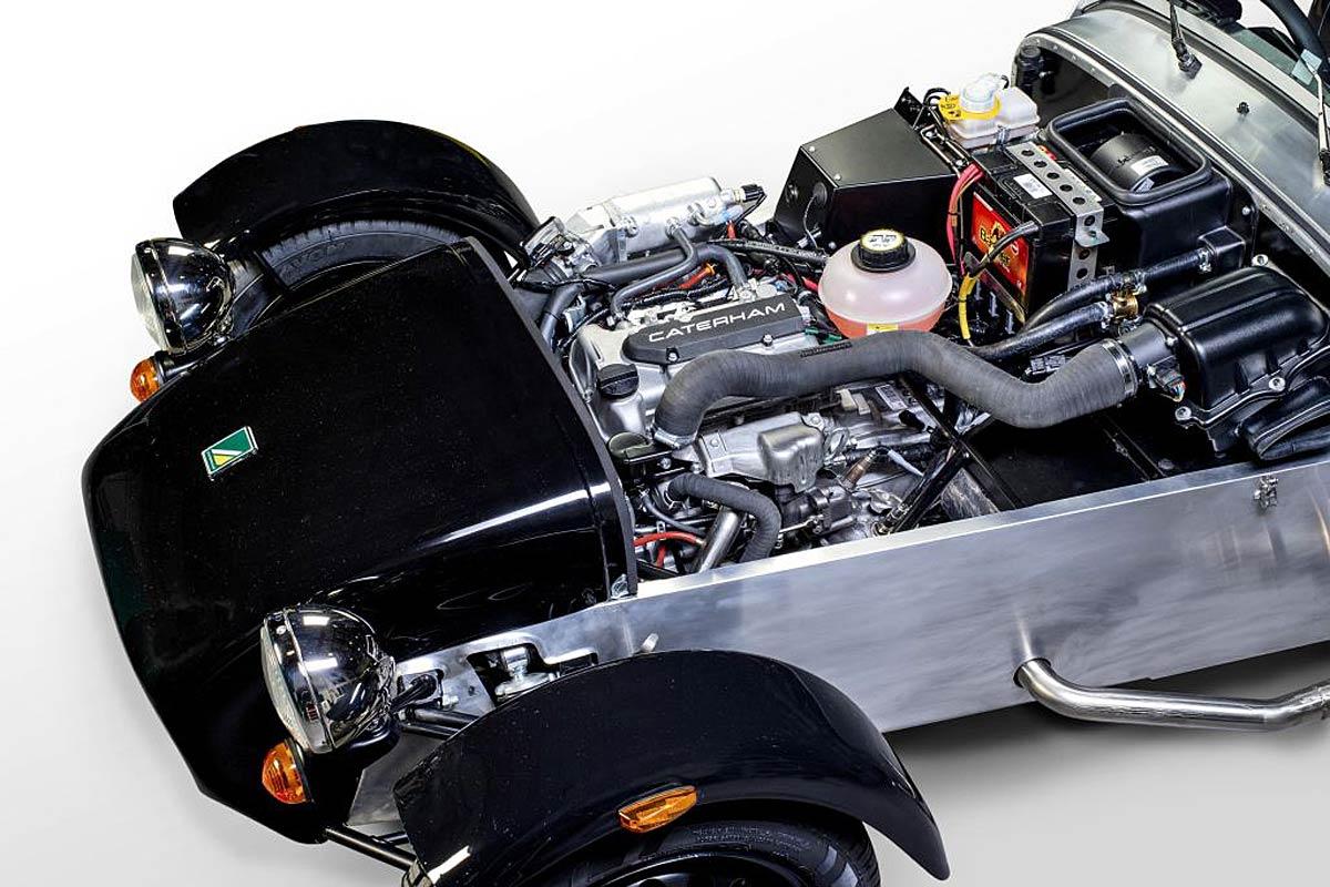 FERIA INTERNACIONAL DEL AUTOMOVILISMO,AUTOS TUNING-http://estaticos02.cache.el-mundo.net/elmundomotor/imagenes/2013/08/06/coches/1375784543_extras_ladillos_2_g_0.jpg