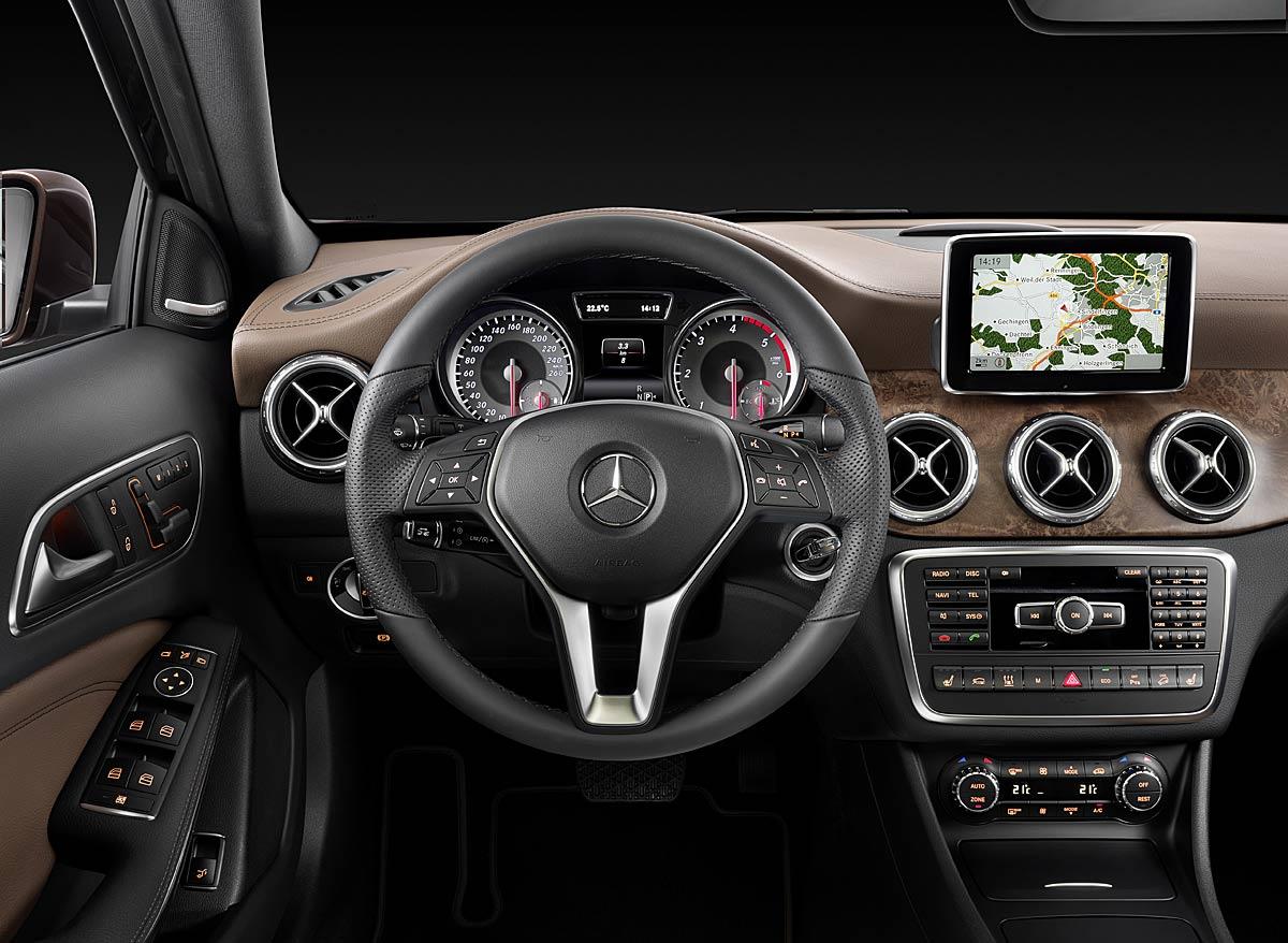 FERIA INTERNACIONAL DEL AUTOMOVILISMO,AUTOS TUNING-http://estaticos02.cache.el-mundo.net/elmundomotor/imagenes/2013/08/13/coches/1376407193_extras_ladillos_7_g_0.jpg